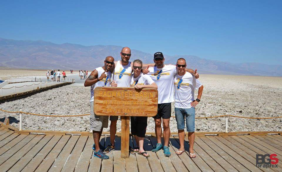 Dreamteam at the Badwater Basin sign